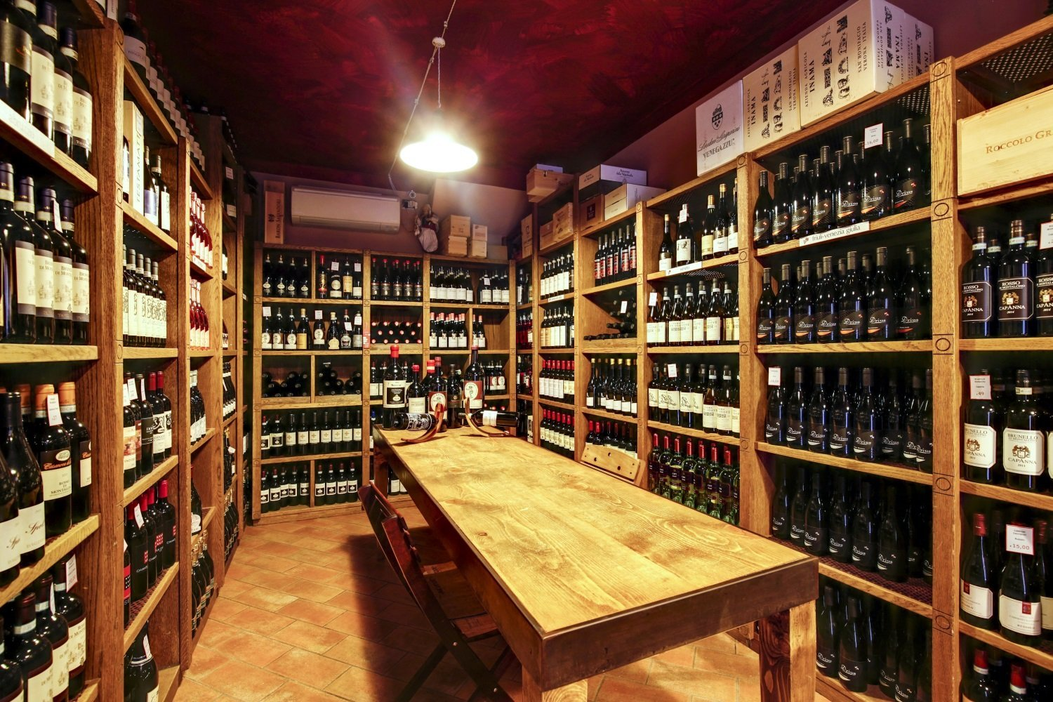 The Wine Shop of Vineria all'Amarone
