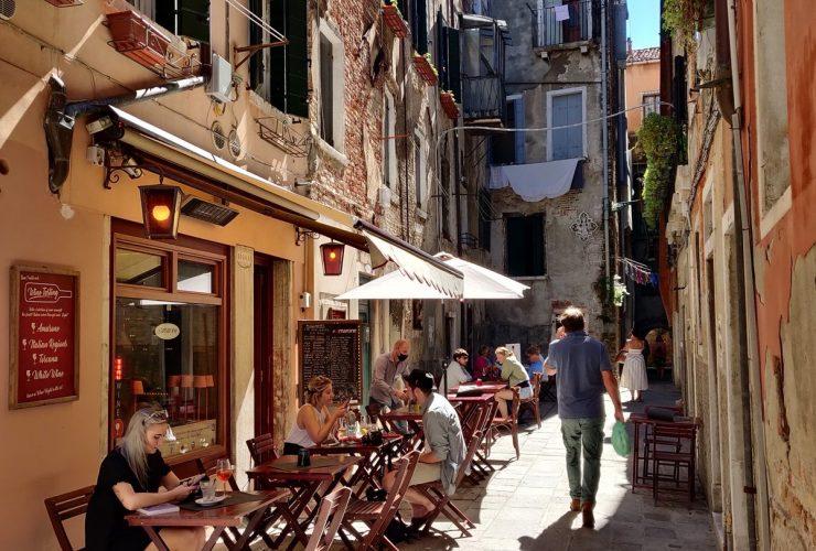 Outdoor Seatings Wine Bar & Restaurant Venice